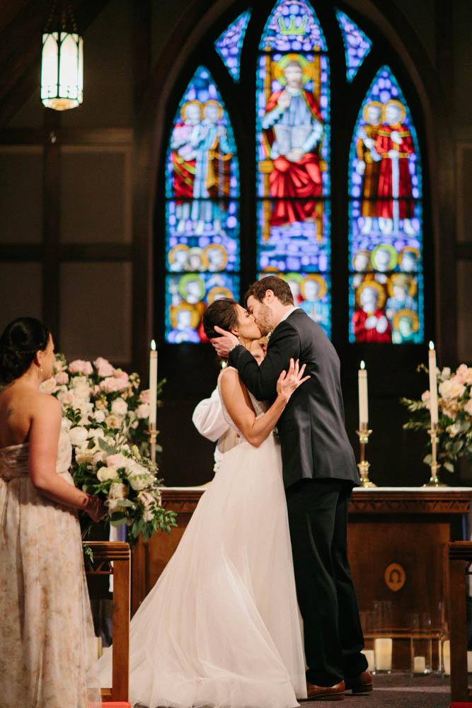 classic church wedding photo ideas