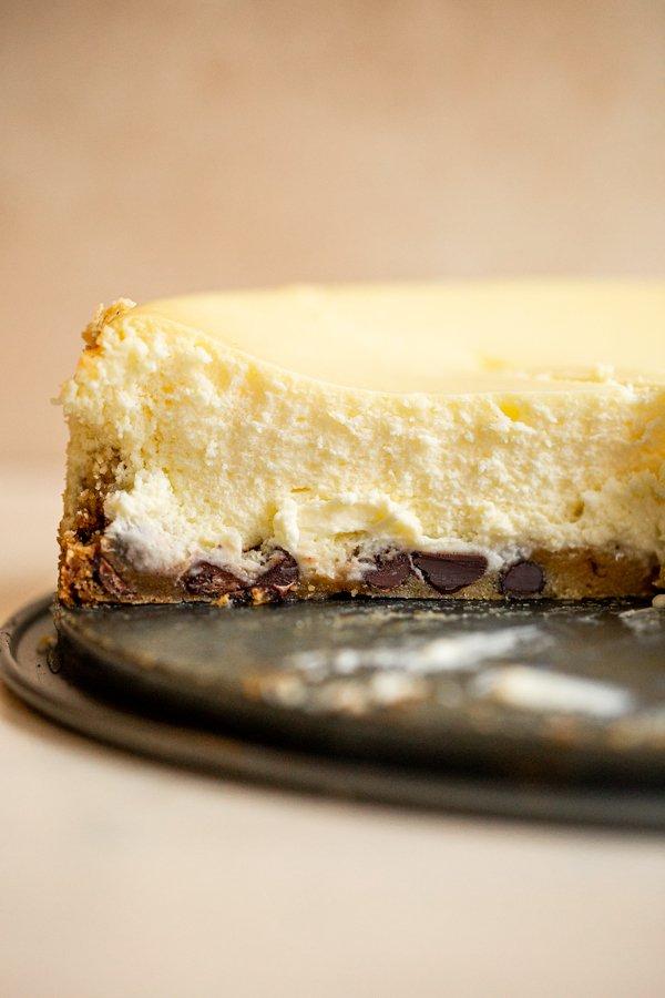 chocolate chip cookie crust cheesecake