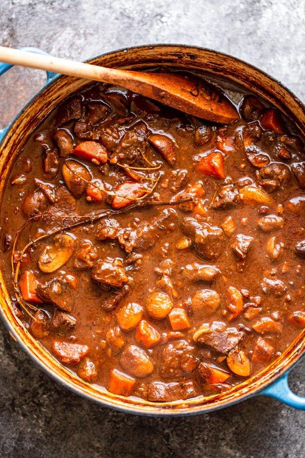 venison bourguignon in a pot